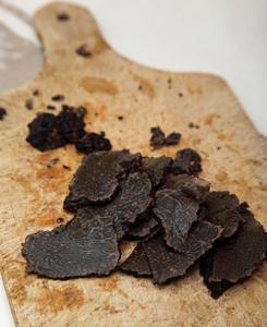 lamelles de truffes pour réaliser un gratin dauphinois aux truffes